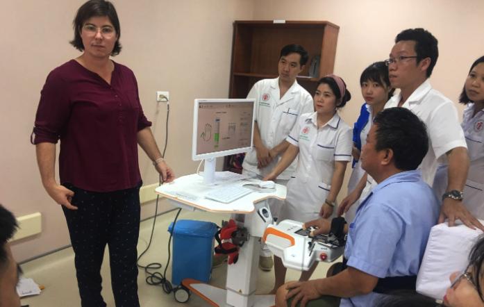 Xe thế công nghệ VR AR trong y tế